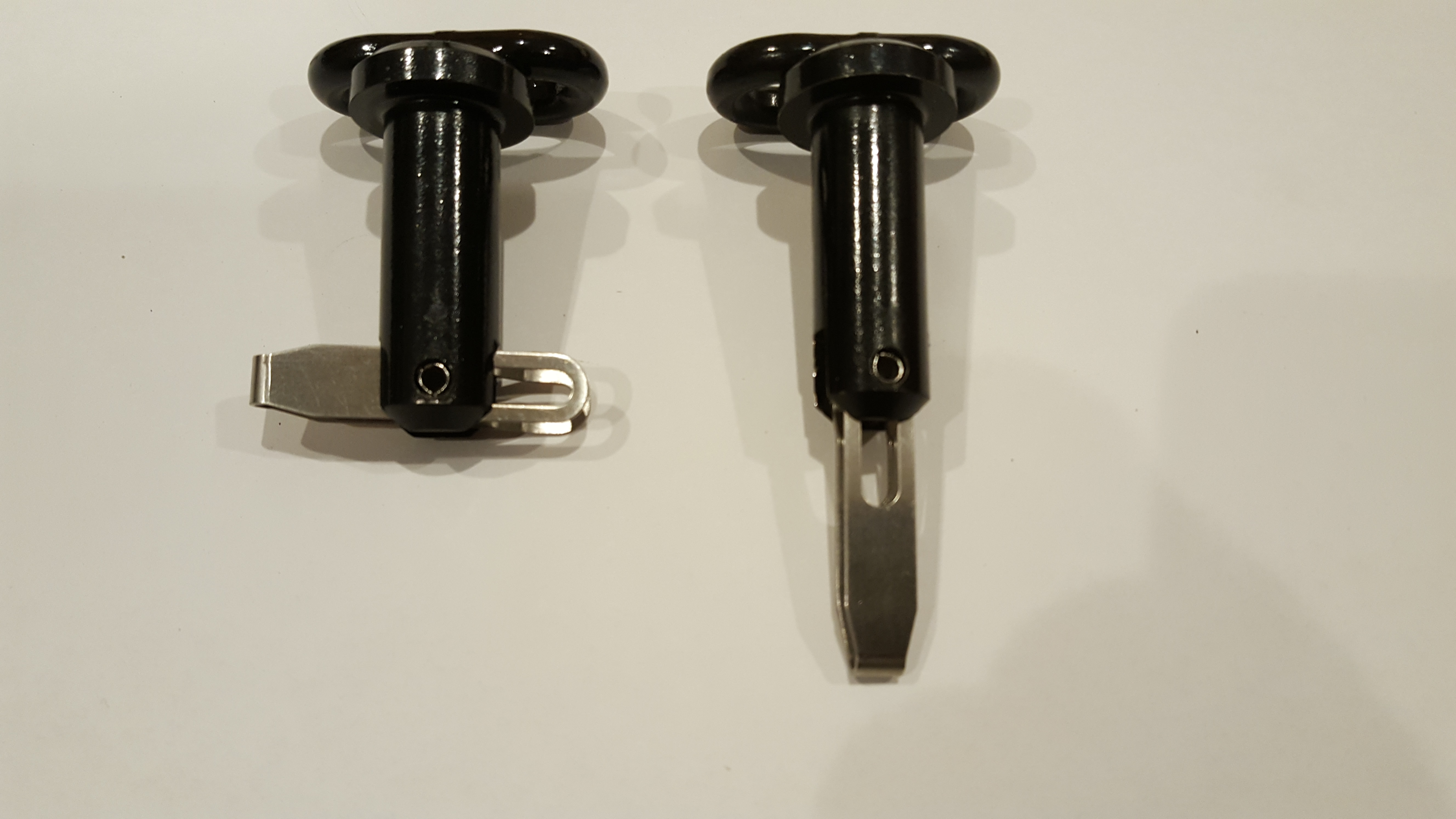"Watercraft Werks 5/8"" x 1 1/2"" Pin w/Flip Lever - Black E-coated"